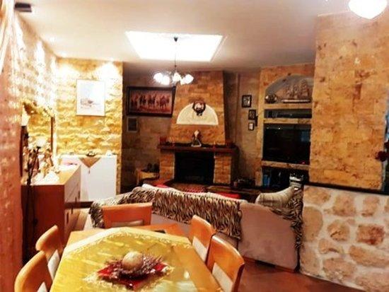 Pentati, Greece: Sitting room