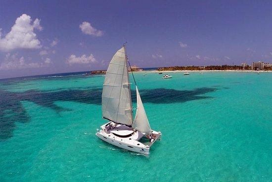 Catamarán a Isla Mujeres, comida...