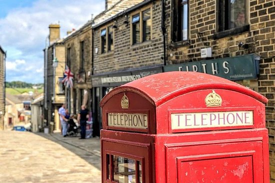 LIVERPOOL: Yorkshire Adventure - Sightseeing Day Trip Tour
