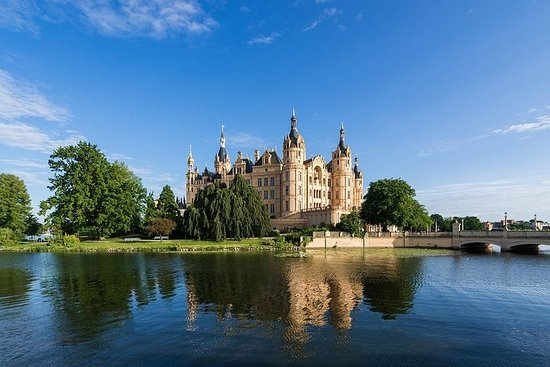 Hanseatic Rostock and Fairytale Schwerin Shore Excursion