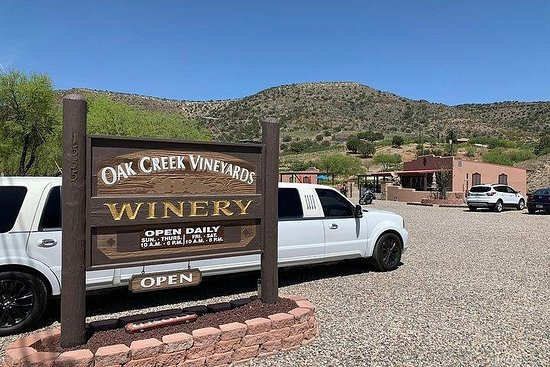 Winery Tours from Scottsdale to the Verde Valley Vineyards and Sedona