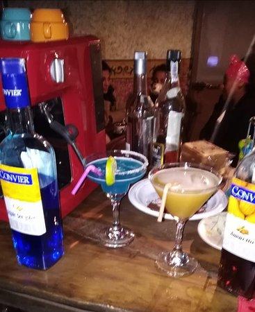 Villa de Leyva, Colombia: Un ambiente acogedor y muy buena coctelería. Café Bar Kekele