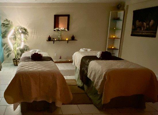 West End, Tortola: couples massage