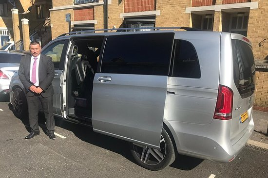 Valokuva: Private transfer from Dover cruise terminal to Heathrow Airport