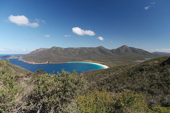 Private Wineglass Bay Day Trip from Hobart