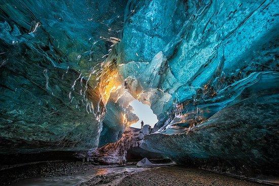 Visita alla grotta di ghiaccio nel