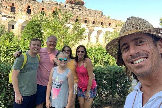 Visit Capri, Sorrento and Pompeii in...