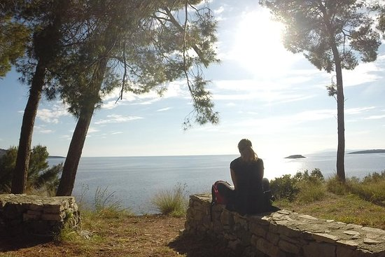 Gradina bay hike - Navigare Necesse Est