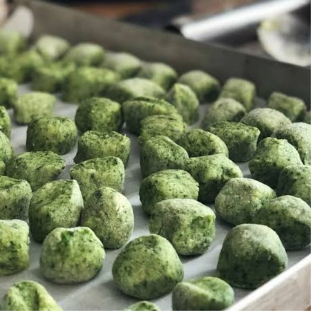 Gnocchi di Spinaci  With fresh tomato sauce and basil or If you want order it with butter sauce, bolognesa or 4 cheeses.