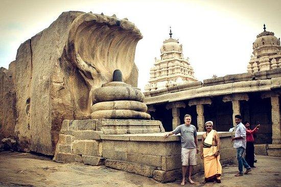 Dagstur fra Bangalore til Lepakshi for tempelarkitektur og malerier