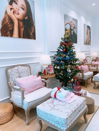 Prive - Luxury Nails & Spa Boutique
