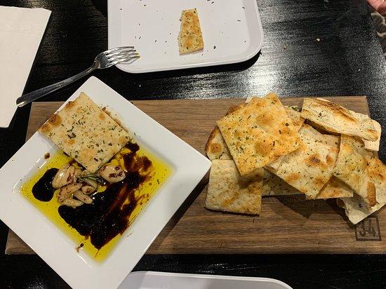 Uniontown, OH: DeLuca's Pizza Pub