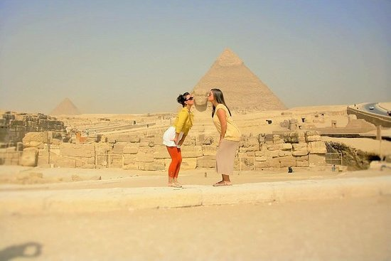 Cairo private guided day tour to Giza...