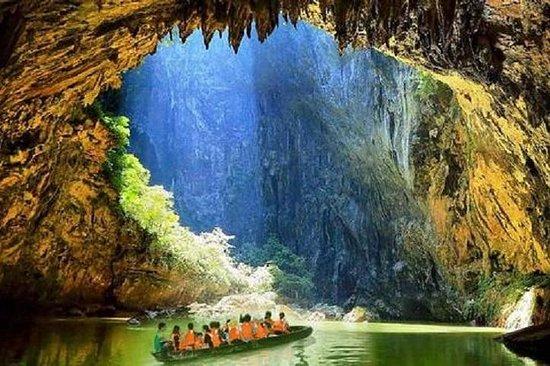 Forest Peaks Corridor und Cave Fairyland Private Führung