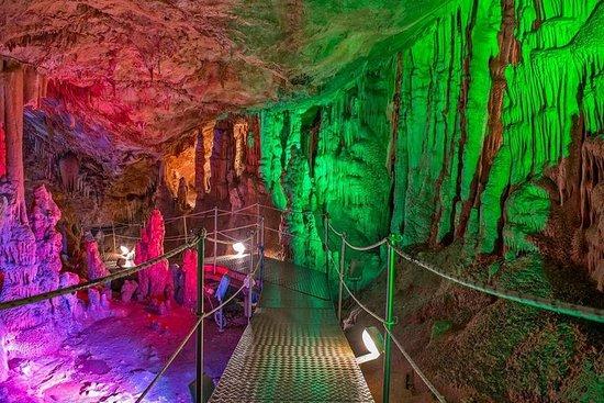 Zeus-grottan med bergig östra Kreta ...