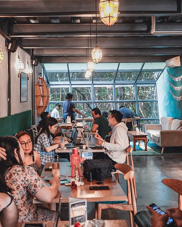 #TGIF! This is how the weekend starts at Recolta Bali. Come and join us, bring your posse along and enjoy the weekend! . . . . . . #recoltabali #recoltacafe #recoltaexperience #baliculinary #balieats   Bali Cafe
