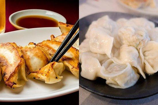 2 types de gyoza faits maison (frits et bouillis)