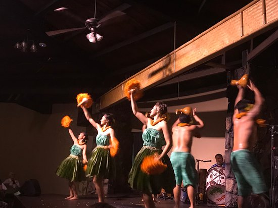 Admission to Royal Kona Luau: More dancers