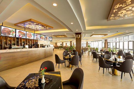 Tam Duong, Vietnam: O Quy Ho Restaurant & Coffee