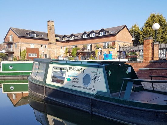 Market Harborough, UK: A day boat at Union Wharf marina.