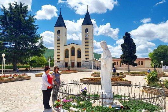 Local de peregrinação de Medjugorje e...