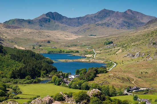 Best of England and Wales 9 day (Small Group) tour from London