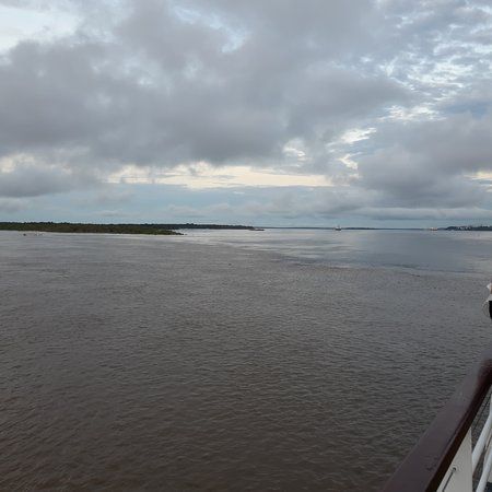 Amazon River, AM: Meeting of the waters
