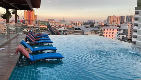 Infinity pool at the rooftop