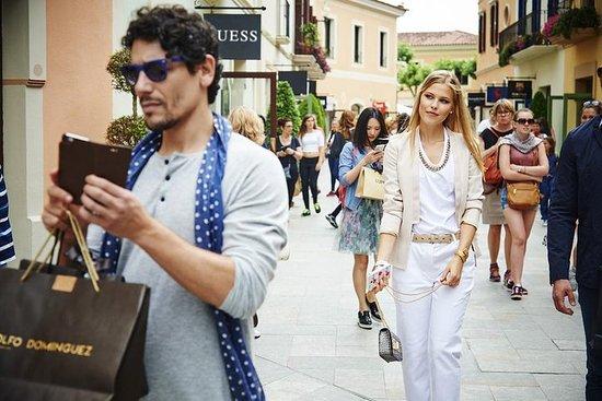 Фотография La Roca Village Shopping Day Trip from Barcelona