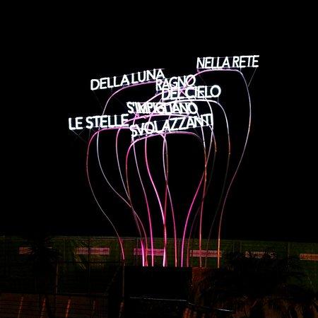 סלרנו, איטליה: In the net of the moon, spider of the sky entangle the fluttering stars. 🌟✨🕸️🌙✨⭐   