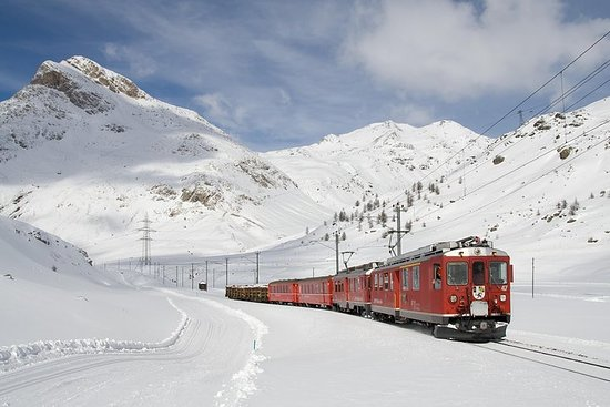 Tour Bernina Roter Zug und St. Moritz
