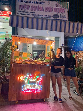 Amazing Smoothies and Juices ! We were in phu quoc for 5 days and couldn't resist coming daily! The taste is mind blowing and preparation- ingredients are healthy and hygienic.... Inexpensive also. Highly recommended!