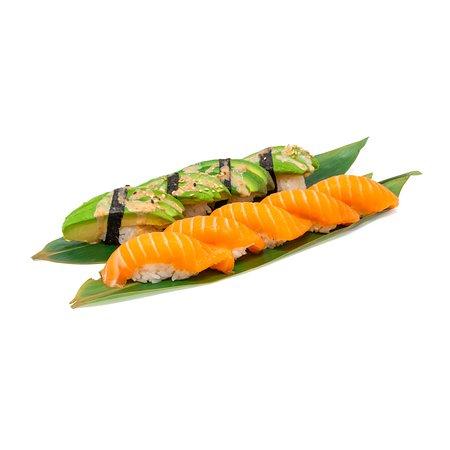 Avokado och lax-nigiri