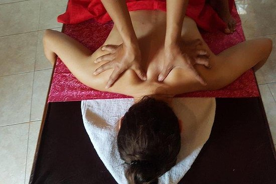 Classic Bali Spa Day Package with Floral Bath and BodyScrub & more!