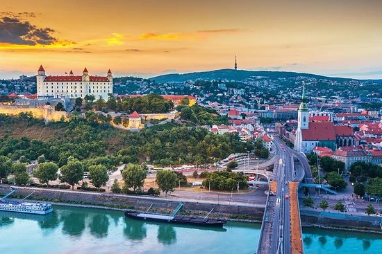 Descubra Bratislava em uma viagem de...