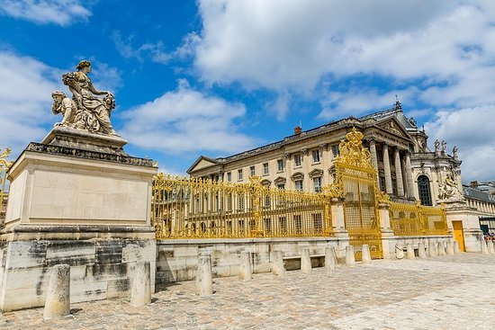 All Day Small Group Guided Versailles with Skip the line Access Photo