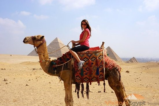 Private tour to Pyramids and Sphinx...