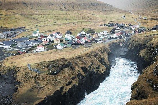 Tour de la cascade aux Iles Féroé