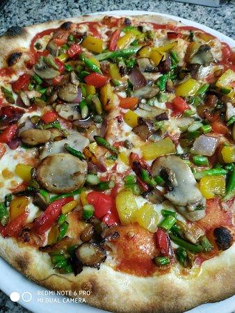 Pizza Verona. Vegetarian, possible without mozzarella for Vegan friends.
