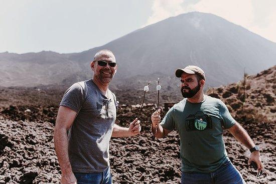 Volcán Pacaya y aguas termales...