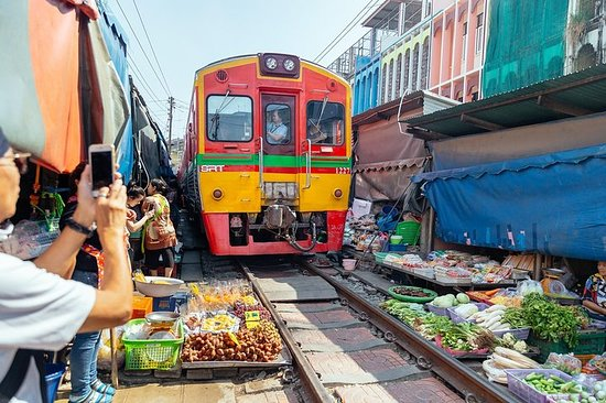 Private Amphawa Floating Market & Maeklong Railway Market Day Trip...