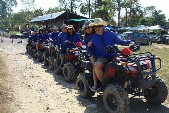 Full-Day Adventure en Nakhon Nayok...