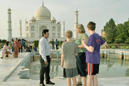 Full-Day Private Tour in Agra with Lunch