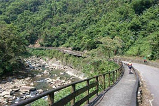 为期一天的自行车之旅:黛玉觉河自行车道和平林茶业博物馆