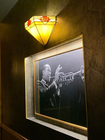 Jazz and more Jazz in Mobster Bar
