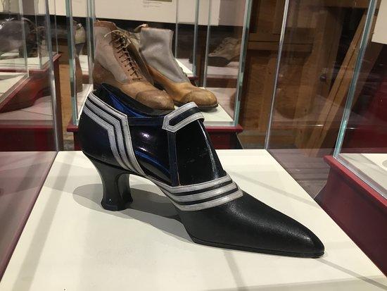 Jugendstil in shoe fashion. 1905.