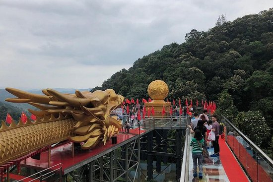 Private Tagestour zum Tianzi Mount Wasserfall und zur Glassbridge ab...