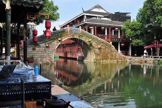 Shanghai Day Tour of Zhouzhuang vannby...