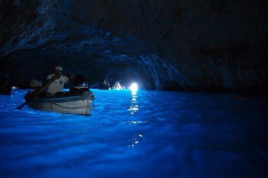 Excursión en barco a la gruta azul de...