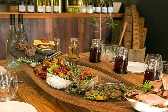 Gourmet Wine & Food Tour - From Queenstown Inclusief lunch, kaas en ...